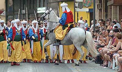 La música de moros i cristians a Oliva (article antic)